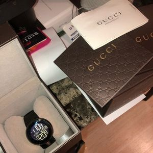 Other - GUCCI WRIST WATCH